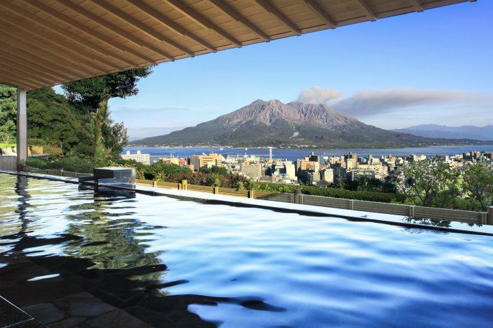 Hot spring waters with views of Sakurajima volcano