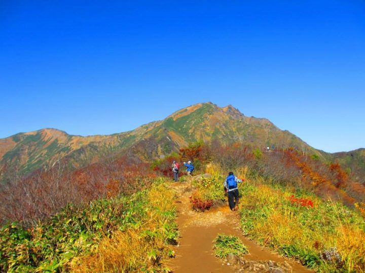 Hiking up Mount Tanigawa in October