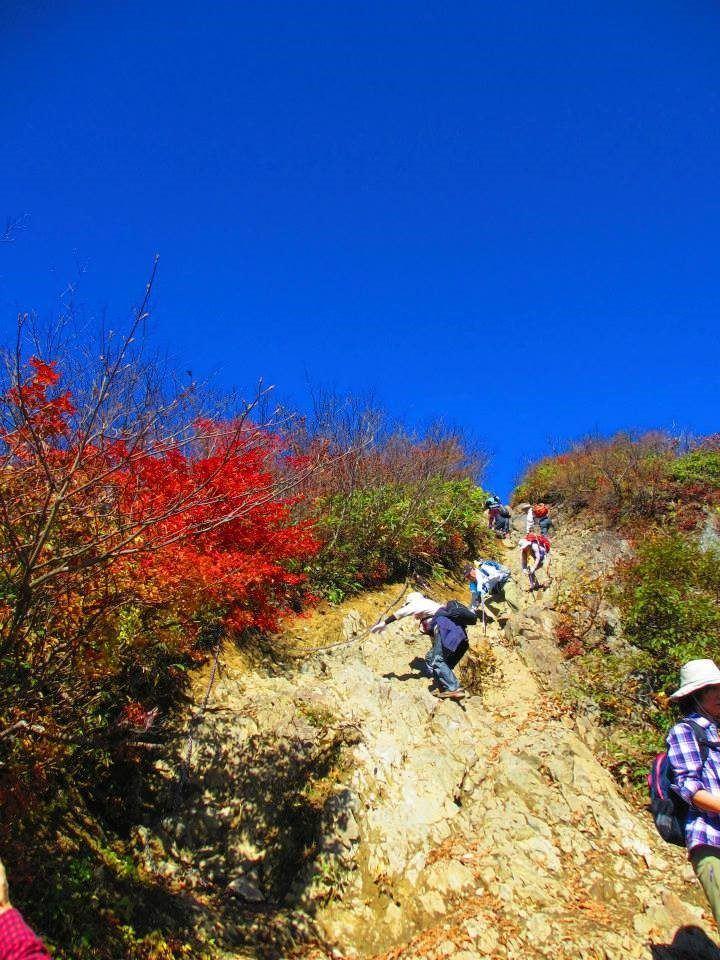Hiking up Mount Tanigawa