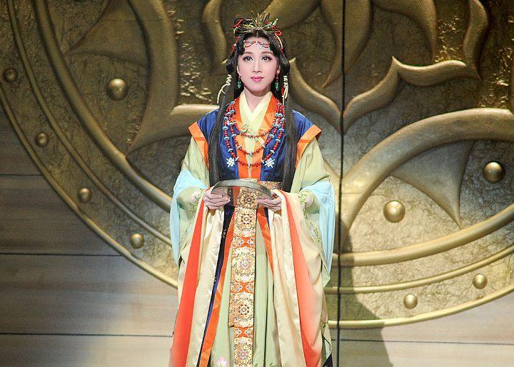 Yamantai performance - Takarazuka Revue theatre, Tokyo