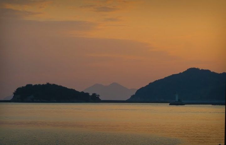 Sunset at Seto Inland Sea island Sensujima - photography tour in Japan