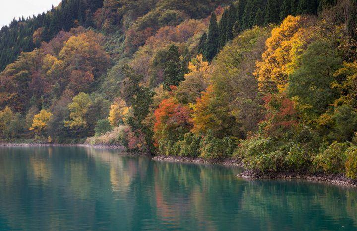 Lake Tozawa in autumn