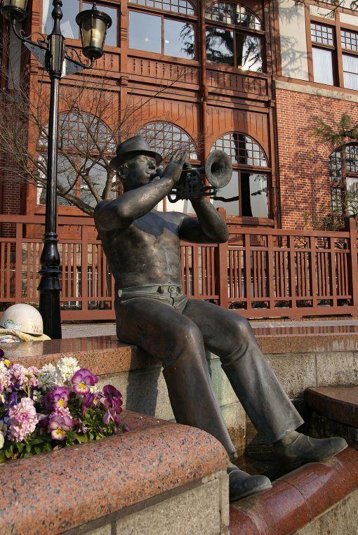 Jazz statue in Kobe, Japan